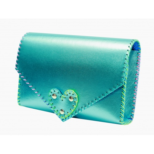 http://carmenittta.ro/uploads/products/2019W21/metallic-blue-leather-handmade-bag-carmenittta-0029-gallery-1-500x500.jpg