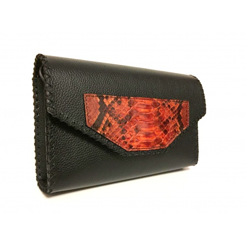 http://carmenittta.ro/uploads/products/2021W08/phyton-snake-leather-detail-on-black-leather-bag-0102-gallery-1-500x500.jpg