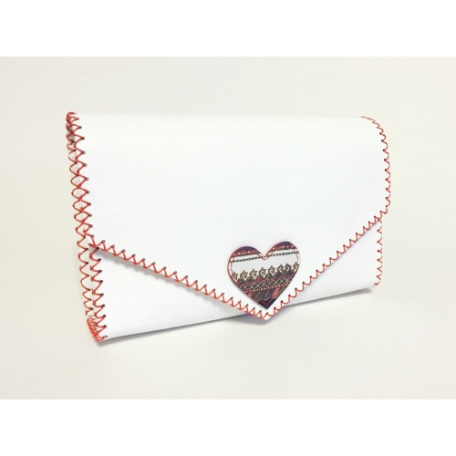http://carmenittta.ro/uploads/products/2021W09/traditional-print-heart-on-white-leather-handmade-bag-carmenittta-0106-gallery-2-500x500.jpg