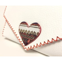 Traditional Print Heart on White Leather Handmade Bag Carmenittta