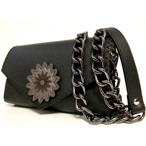 http://carmenittta.ro/uploads/products/2021W10/black-leather-handmade-bag-with-a-leather-flower-0111-gallery-1-500x500.jpg