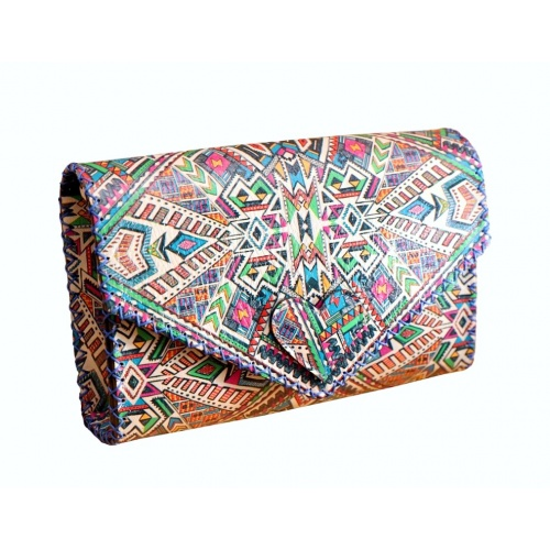 http://carmenittta.ro/uploads/products/2020W33/traditional-colorful-printed-leather-bag-by-carmenittta-0073-gallery-1-500x500.jpg