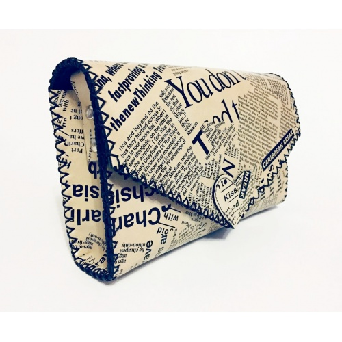 http://carmenittta.ro/uploads/products/2020W43/newspaper-print-leather-handmade-bag-0084-gallery-1-500x500.jpg