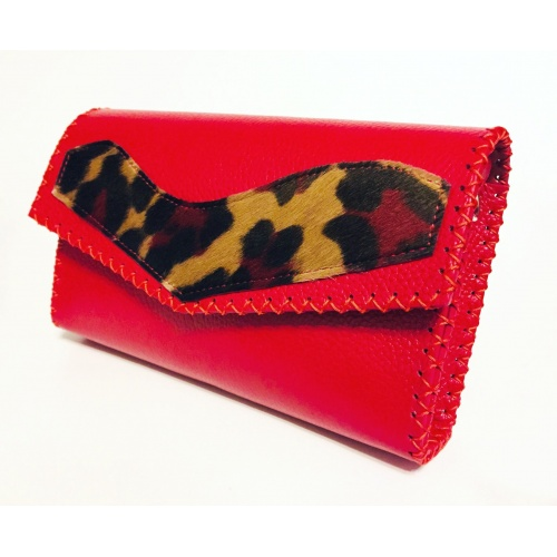 http://carmenittta.ro/uploads/products/2021W07/red-leather-bag-with-cavallino-red-brown-calf-skin-detail-handmade-by-carmenittta-0101-gallery-1-500x500.jpg