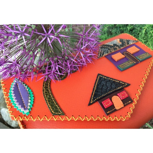 http://carmenittta.ro/uploads/products/2021W21/little-colorful-leather-houses-on-orange-saffiano-leather-bag-2-by-carmenittta-0121-gallery-1-500x500.jpg