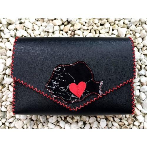 http://carmenittta.ro/uploads/products/2021W21/romania-map-shape-suede-leather-on-black-leather-handmade-bag-by-carmenittta-0120-gallery-1-500x500.jpg