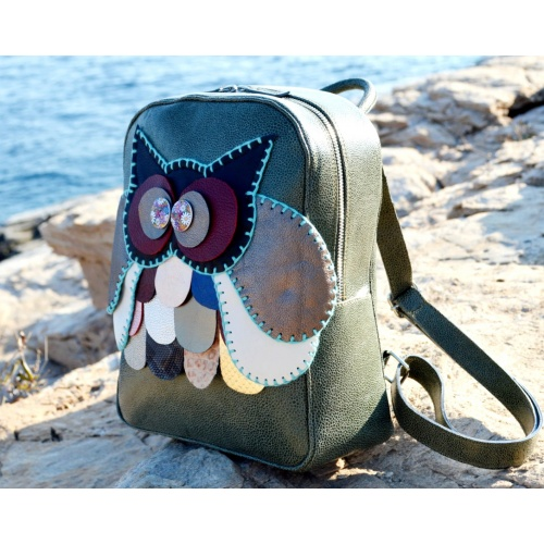http://carmenittta.ro/uploads/products/2021W22/handmade-colorful-owl-on-green-snakeprint-leather-backpack-by-carmenittta-0125-gallery-1-500x500.jpg