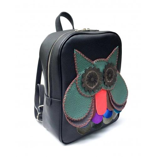 http://carmenittta.ro/uploads/products/2021W22/handmade-green-owl-on-black-leather-backpack-by-carmenittta-0124-gallery-1-500x500.jpg